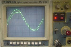 شکل موج خروجی دستگاه SDC در زمان استفاده از ژنراتور در ورودی